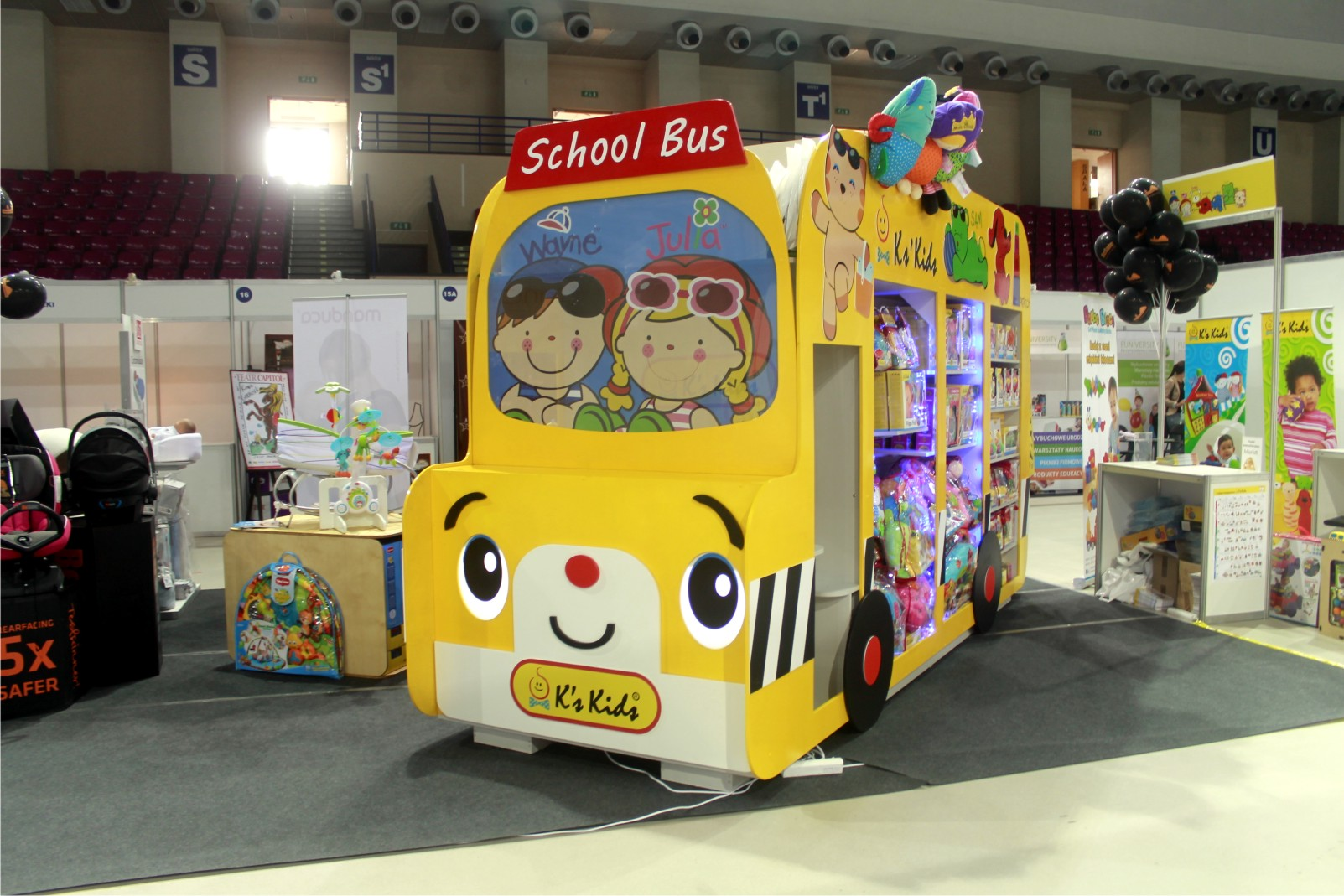 autobus na zabawki
